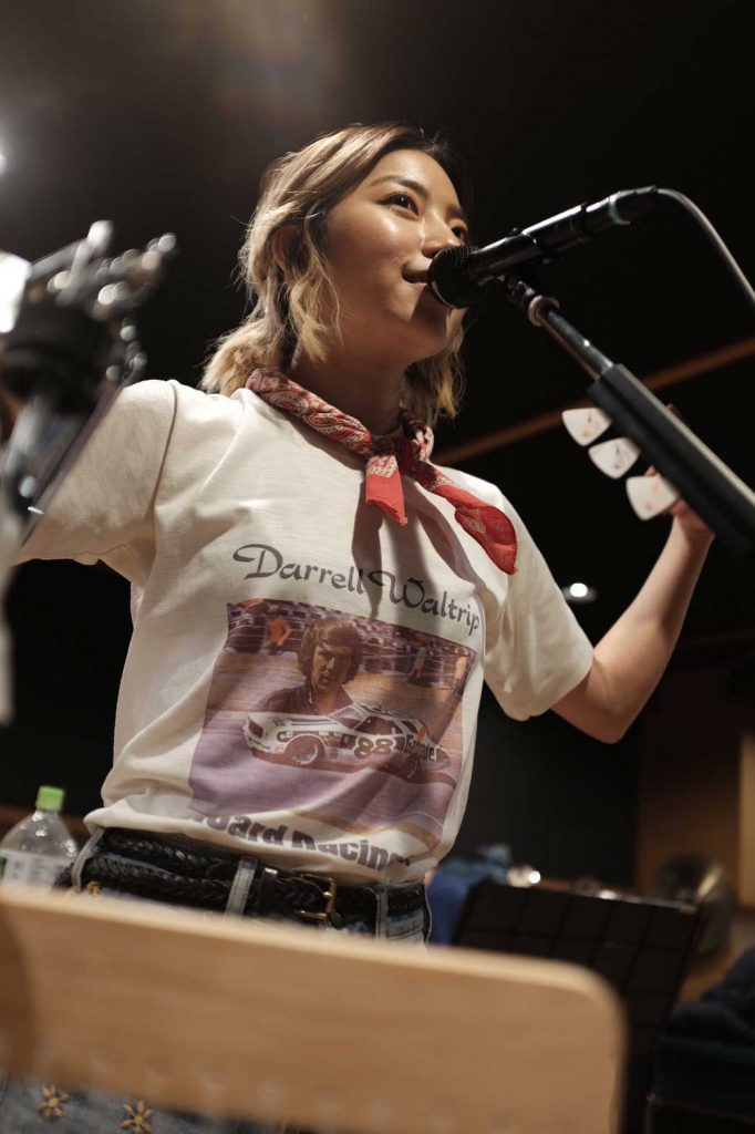 Rihwa at the mic