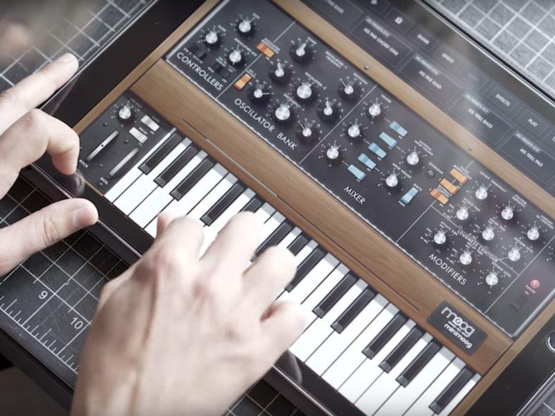 Moog Minimoog Model D app - Free Music Software